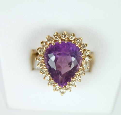 VINTAGE 14K GOLD RING AMETHYST 8 CARATS! 22 DIAMOND!
