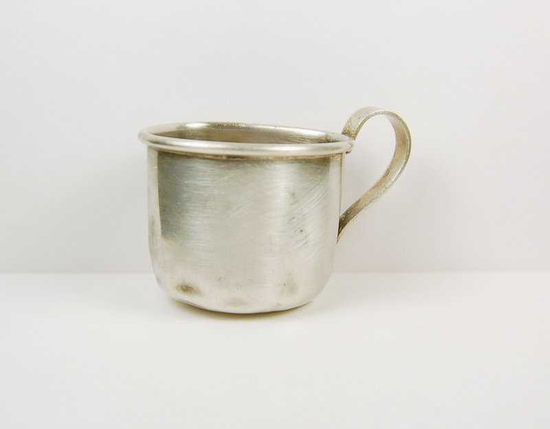 80d9d603b6d3 ANTIQUE STERLING SILVER BABY CUP INTERNATIONAL STERLING