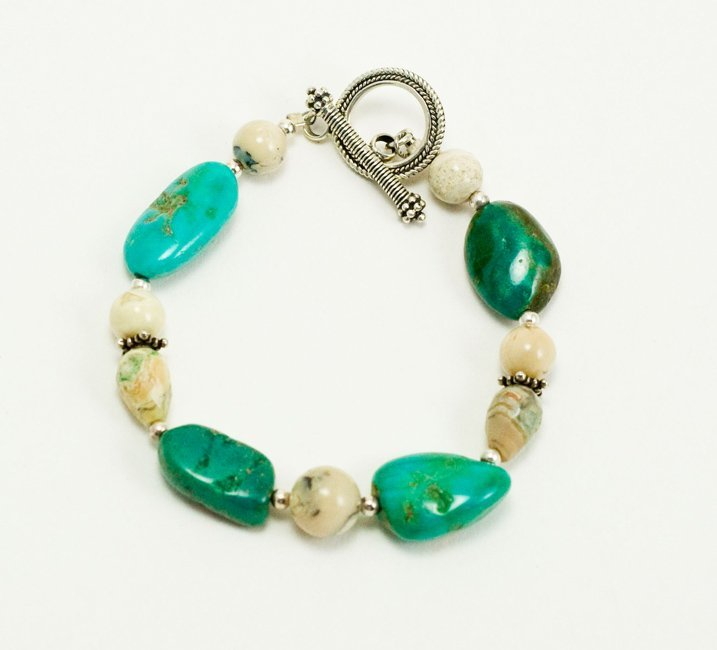 TURQUOISE w  STERLING SILVER BRACELET 7 1/4 IN TOGGLE