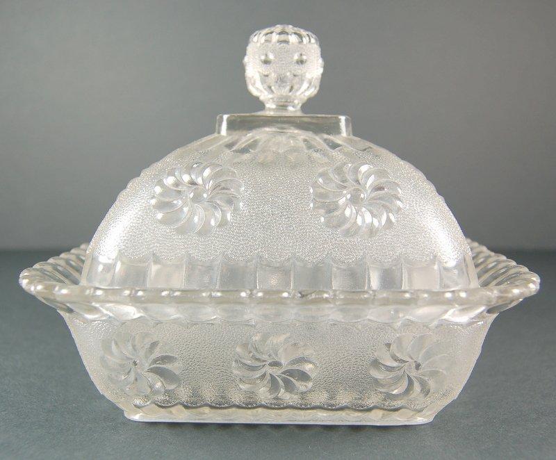 ANTIQUE GLASS CANDY DISH CIRCA 1890 LIDDED