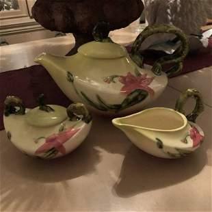 Vintage HULL Pottery Teapot, Creamer, & Sugar Set...