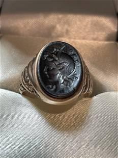 Antique 10K Warrior Carved Onyx Intaglio Unisex Ring