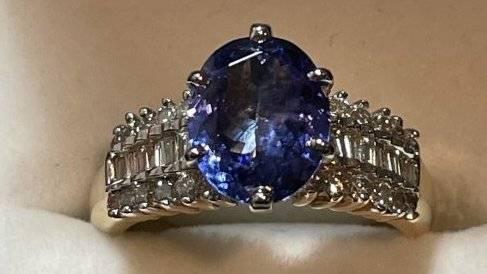 Ladies 14k Tanzanite & Diamond Cocktail Ring Size-7 CCC