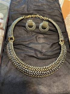 Vtg Yellow/White Color Metal Fashion Choker Necklace...