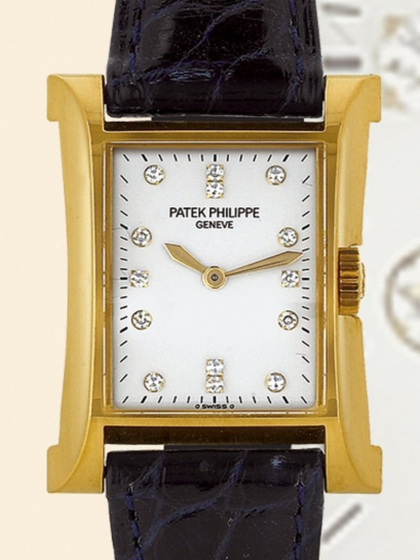 "105: Patek Philippe, ""Pagoda"", Ref. 4900, yellow gold"