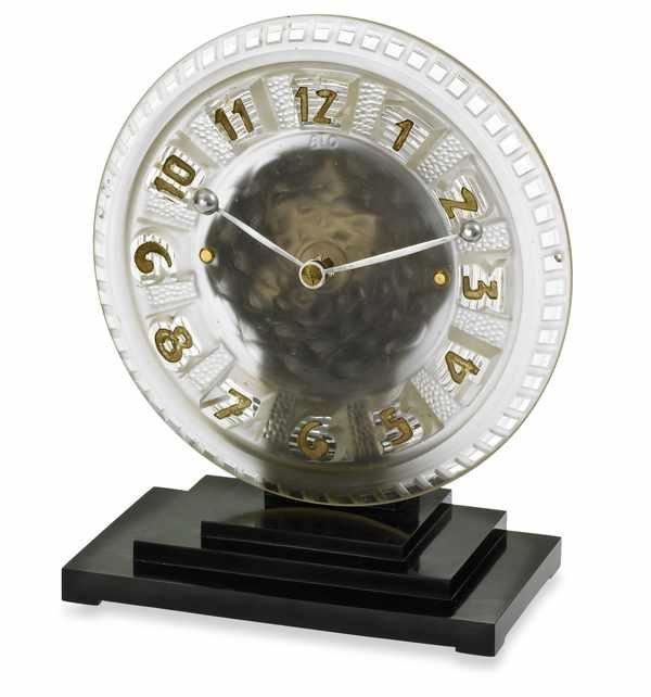 8: Leon Hatot A la Ronde Mantel Clock Bakelite 1948