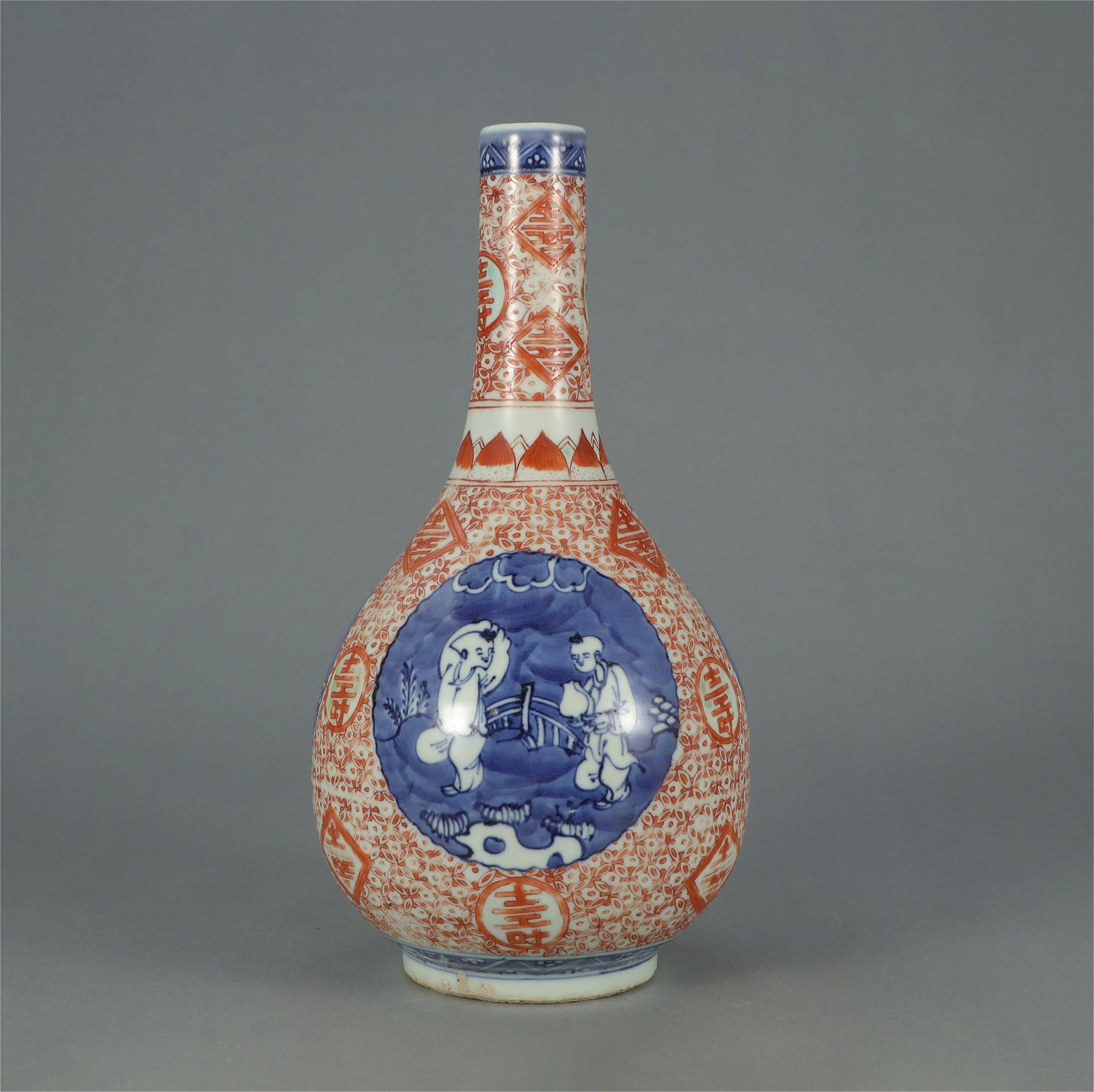 CHINESE BLUE AND WHITE COPPER RED PORCELAIN BOTTLE VASE