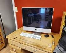 Apple computer and monitor combo