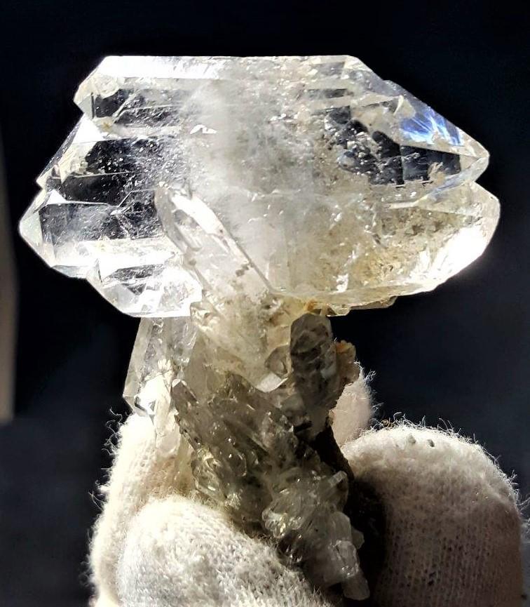 Fedan Quartz Crystals Cluster - 23.8 Grams