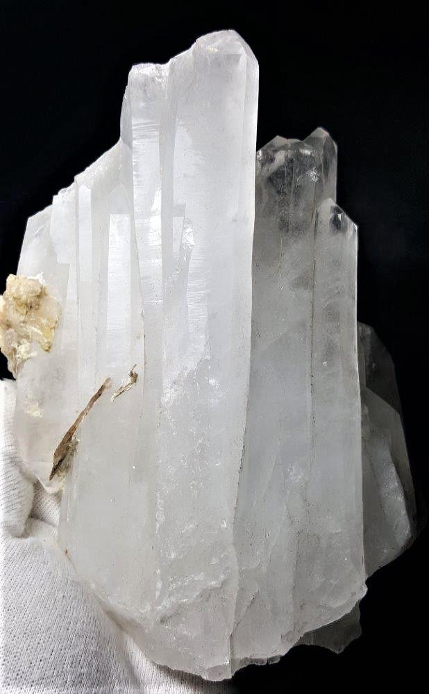 1295 Grams Terminated Healing Fedan Quartz