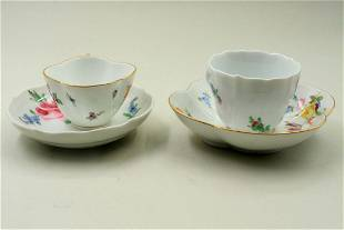 Lot with two coffee cups with saucers