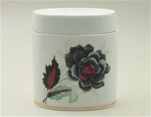 Small box for candies with matching lid, decorated