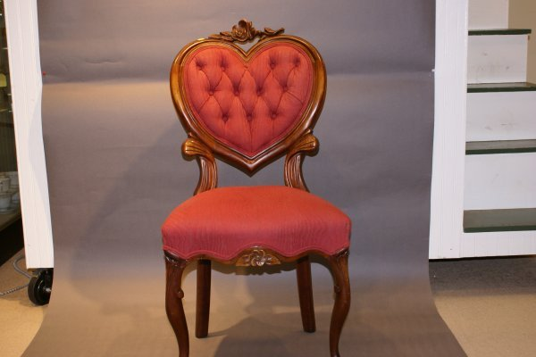 183: Walnut Victorian Parlor Chair