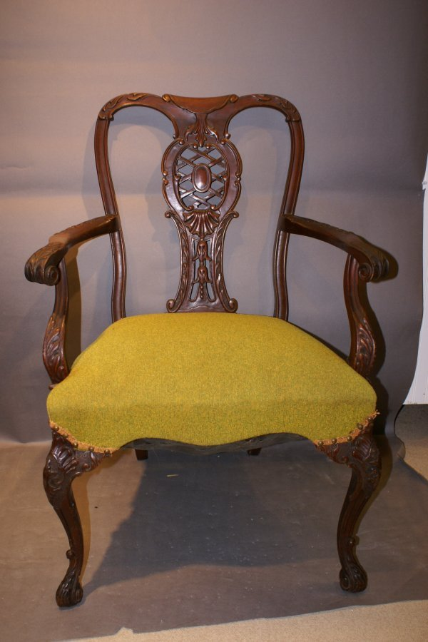 195: 6 Georgian style Dining Chairs