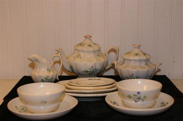 1007: 19th C English Child's Tea Set