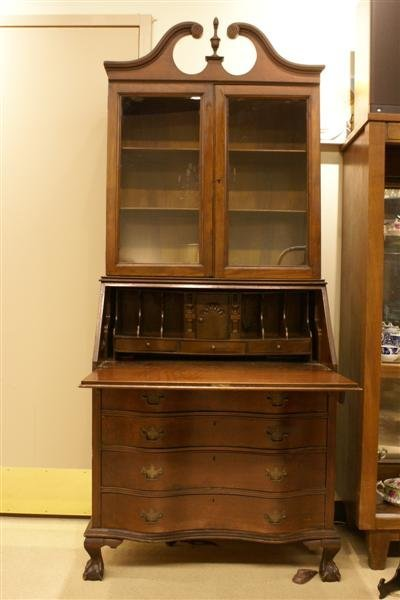 1030: Chippendale styleSecretary/Bookcase