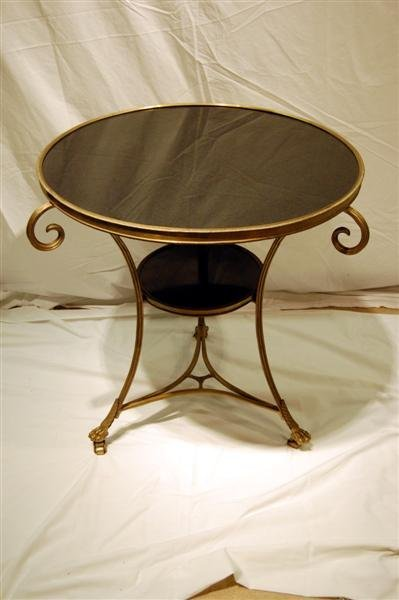 1089: PAIR OF ROUND BRASS STANDS