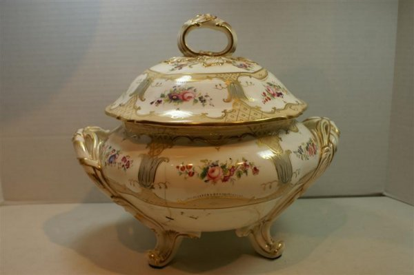 3011: 19 C FRENCH TUREEN