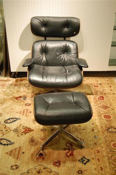 3140: LEATHER  CHAIR AND OTTOMAN
