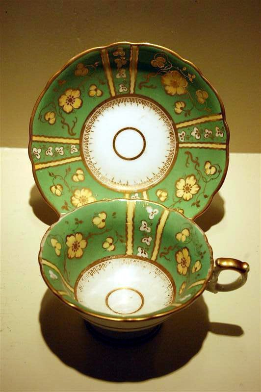 1018: IRONSTONE CUP & SAUCER