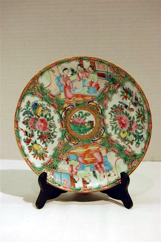 """336: EARLY 20TH CENTURY ROSE MEDALLION PLATE - 8 1/2"""""""