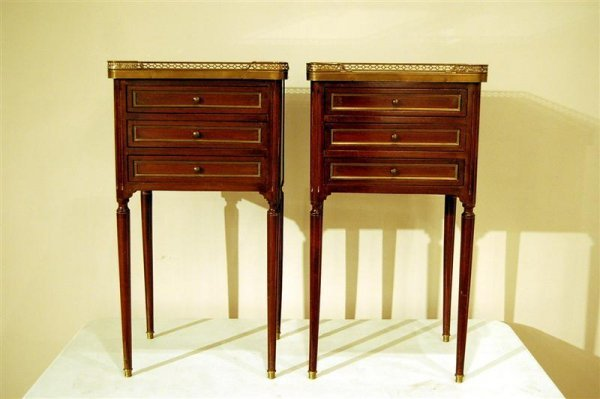 384: PAIR OF LOUIS XV BED SIDE COMMODES W/ MARBLE & BRA