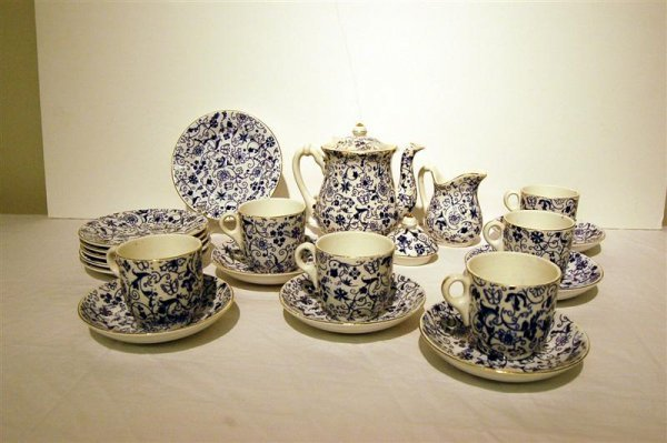 10: CHILD'S IRONSTONE DISHES, BLUE & WHITE BY MERCER PO