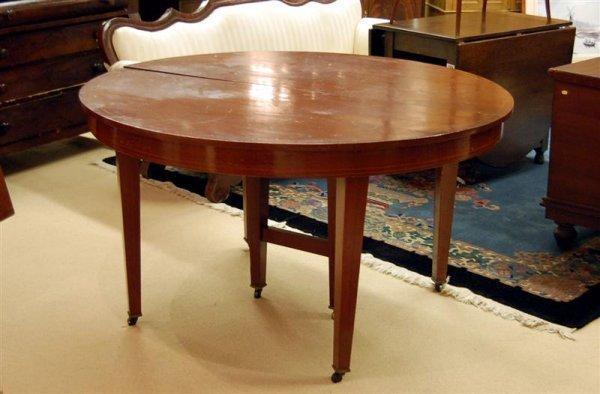 215: ROUND HEPPLEWHITE MAH. TABLE WITH STRING INLAY - 5