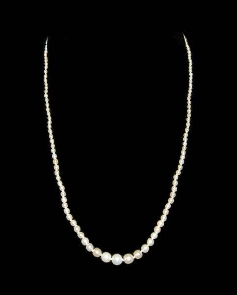 388: DAINTY SEED PEARL NECKLACE - GRADUATED PEARLS - JE