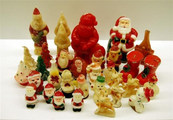 23: LOT OF VINTAGE CHRISTMAS CANDLES - SANTA CLAUS, TRE