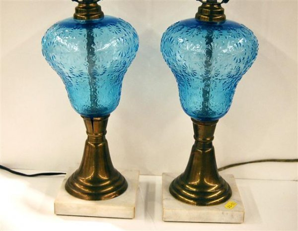 622: PAIR OF MODERN TABLE LAMPS - OIL LAMP STYLE WITH B