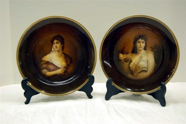 19: TWO GERMAN PORCELAIN PLATES WITH CLASSICAL PORTRAIT