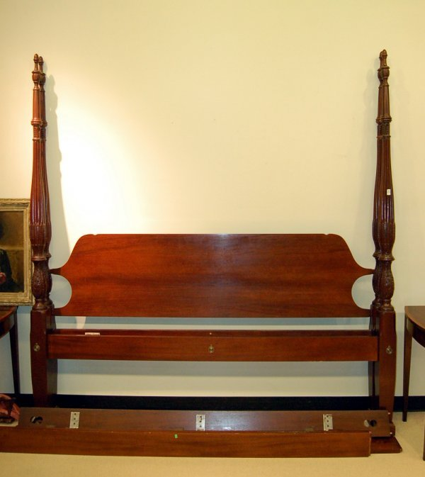 Craftique Chippendale Style King Size Poster Bed