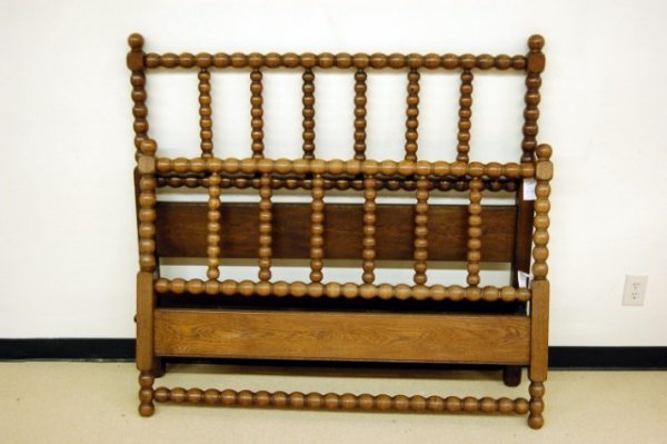 15: Good Quality English Spool Turned Bed