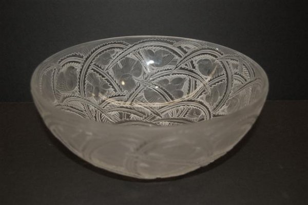 77: Lalique Glass Bowl decorated w/ Sparrow & Branch