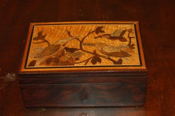 8: Marquetry Inlaid Rosewood Box - Hummingbirds - 2 1/4