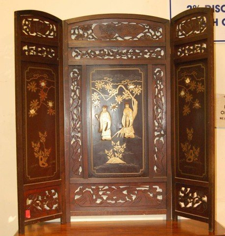 10: Oriental Lacquered Three Section Table Top Screen