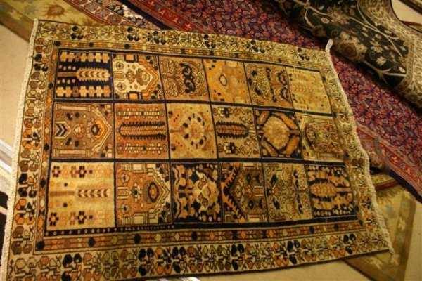 """9: Hand Knotted Persian Bakhtiari - approximately 4' 8"""""""