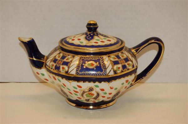 5: Royal Winton Ivory Ware Teapot