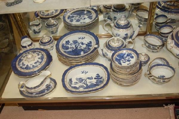 "182: Set of Royal Doulton "" Real Old Willow "" China - 2"