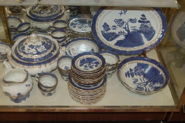 "182: Set of Royal Doulton "" Real Old Willow "" China - 4"