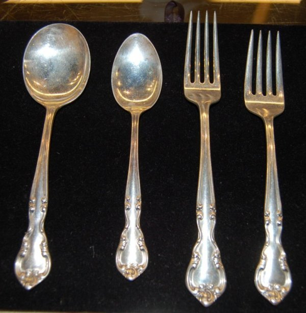 113: American Classic Sterling Flatware by Easterling