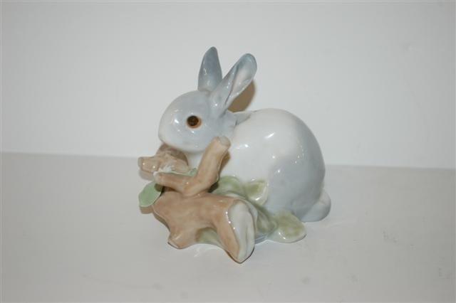 2: Lladro Figurine - Rabbit
