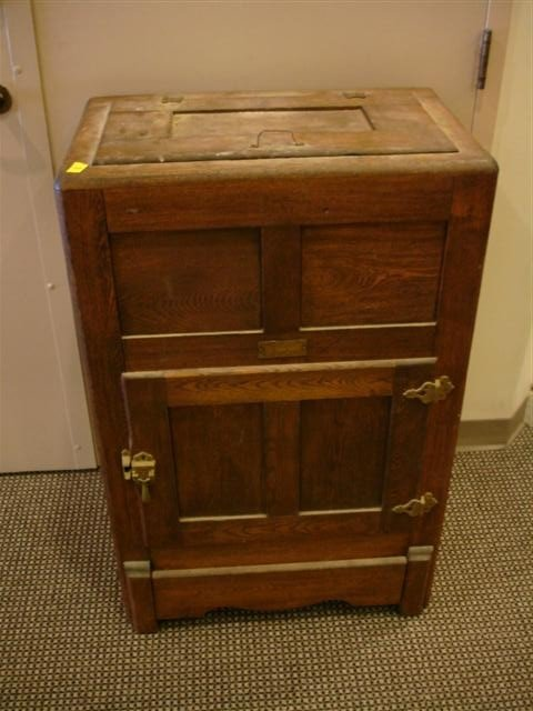 20: Gibson Cambria Oak Ice Box
