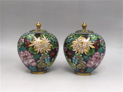 PAIR CHINESE CLOISONNE FLORAL TEA-LEAF CANS AND COVERS