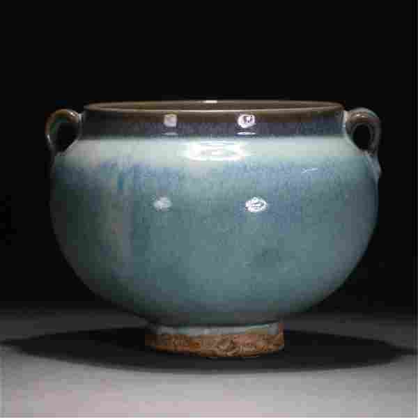A CHINESE JUN-TYPE PORCELAIN JAR WITH DOUBLE HANDLES