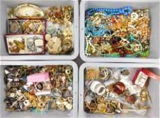 COSTUME JEWELRY: Large assortment of costume jewelry