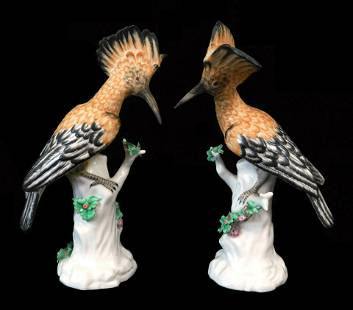 Pair of Mottahedeh porcelain birds, exotic plumage,