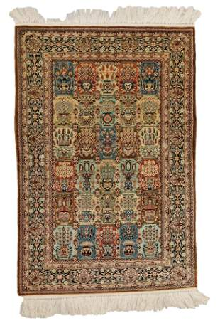 """RUG: Finely woven Persian Heriz scatter rug, 36"""" x 24"""