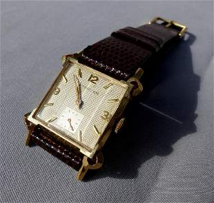 Wittaneur 14K Yellow Gold Square Face Watch Mans